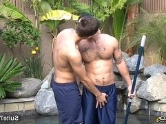 Married guy gets fucked and cummed