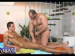 Wild couch sex with homosexual guys